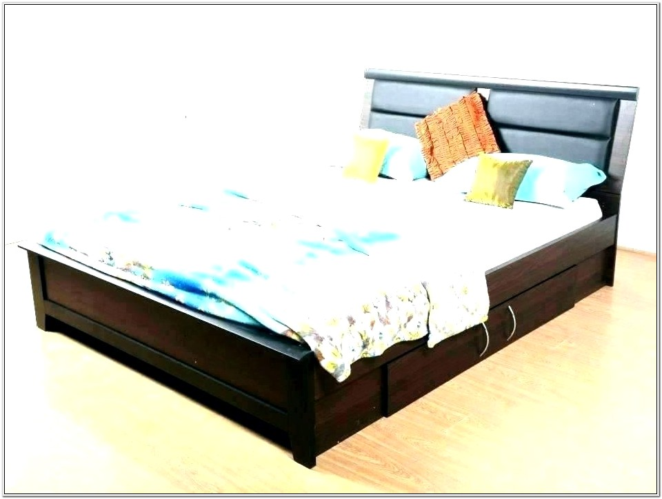 Decorating A Small Bedroom With Big Furniture