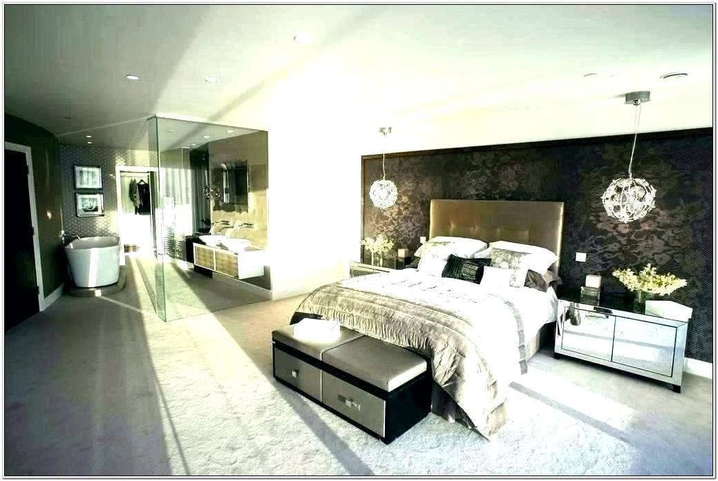 Decorating A Very Large Bedroom