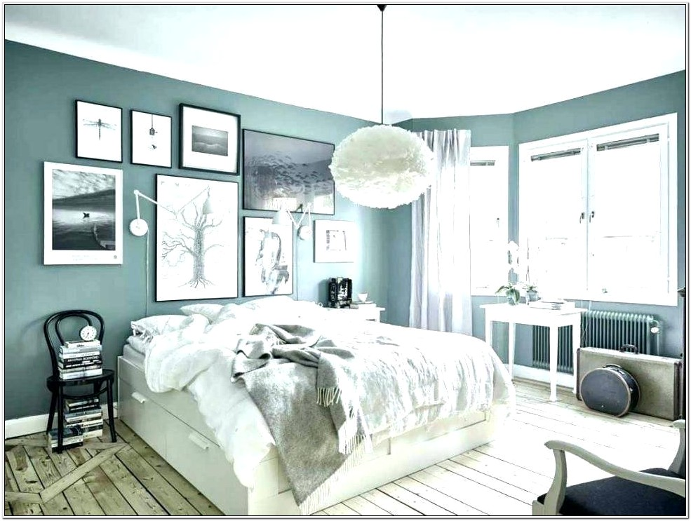 Decorating A Yellow And Gray Bedroom