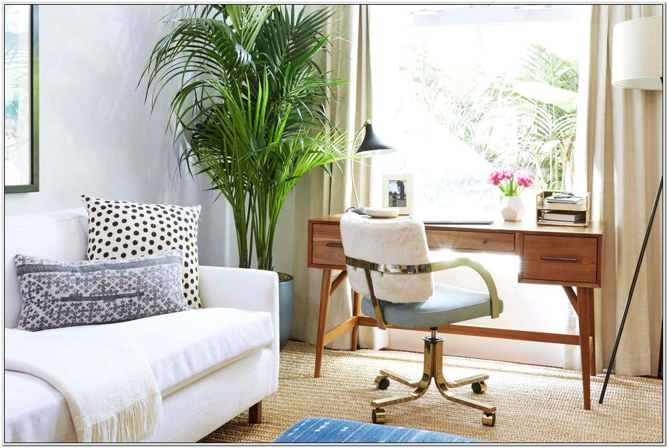 Decorating Living Room With Desk
