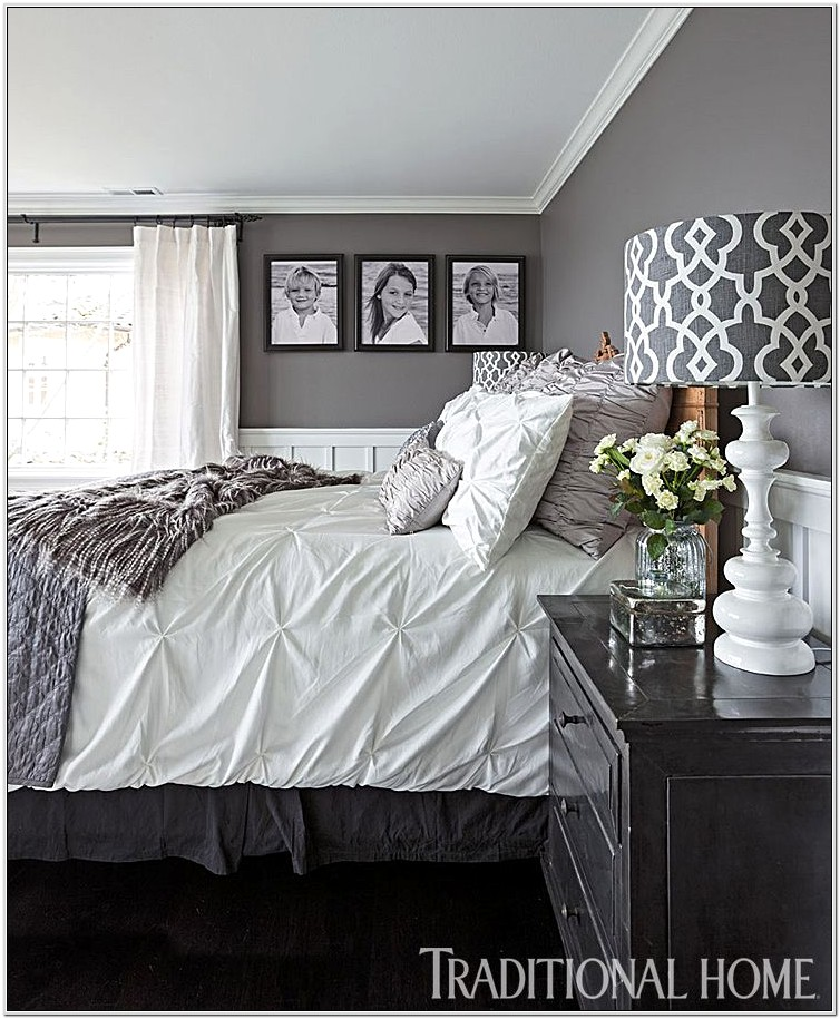 Decorating Master Bedroom In Blue And White