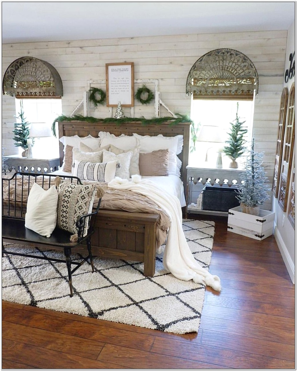 Farmhouse Bedroom Decor Style