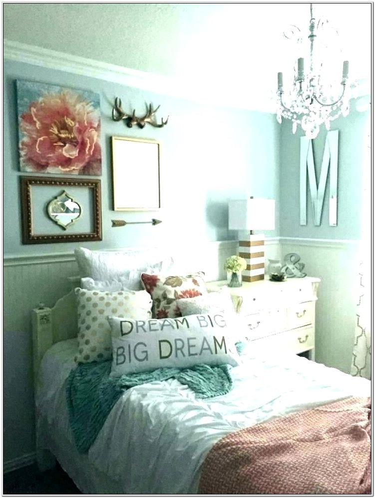 Green And Grey Bedroom Decorating Ideas