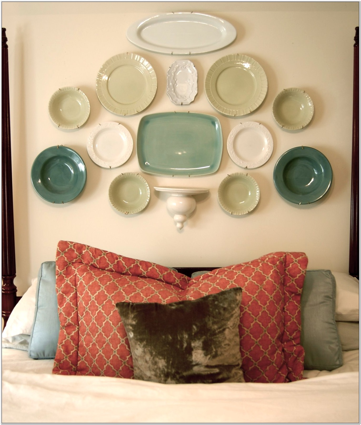 Plate Rack Living Room Decorating Ideas