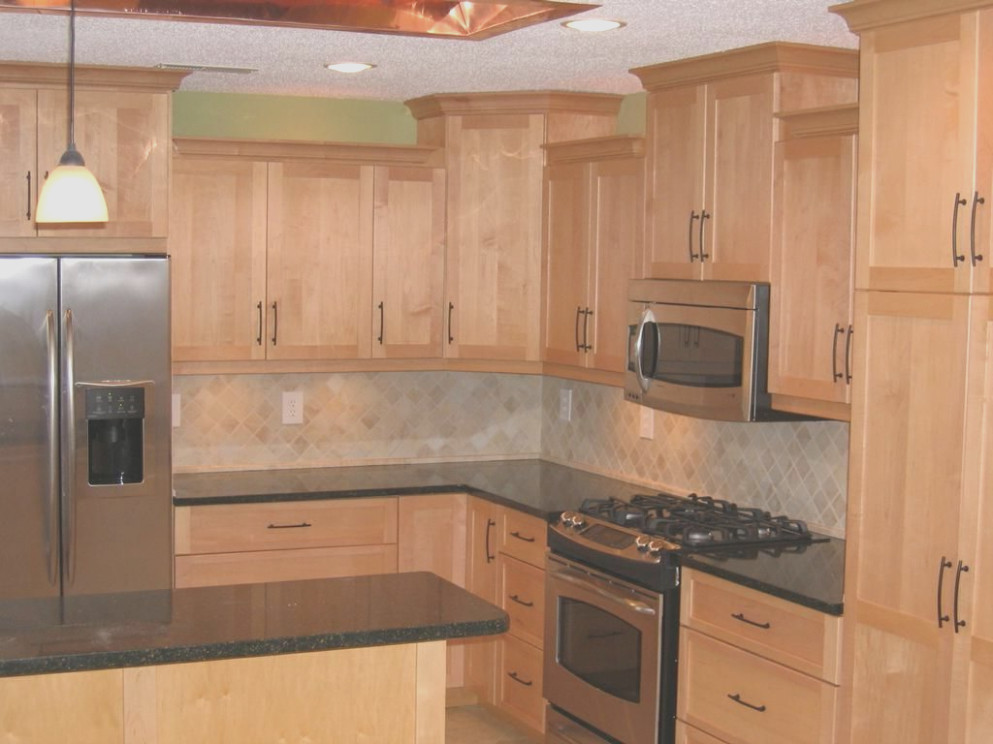 Countertops With Maple Cabinets