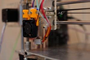 Buse d'extrusion du filament avec le ventilateur