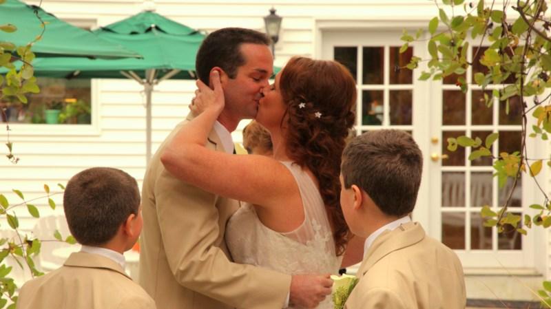 hardy_farm_maine_barn_wedding