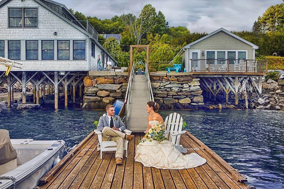 coastal-maine-wedding_barn_boathouse5