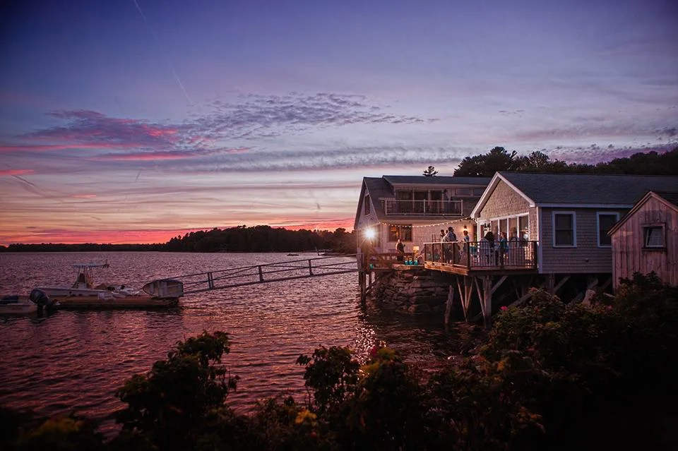 coastal-maine-wedding_barn_boathouse8