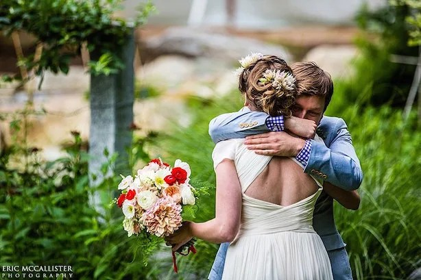 summer-barn-wedding-maine-nh-21-900x600