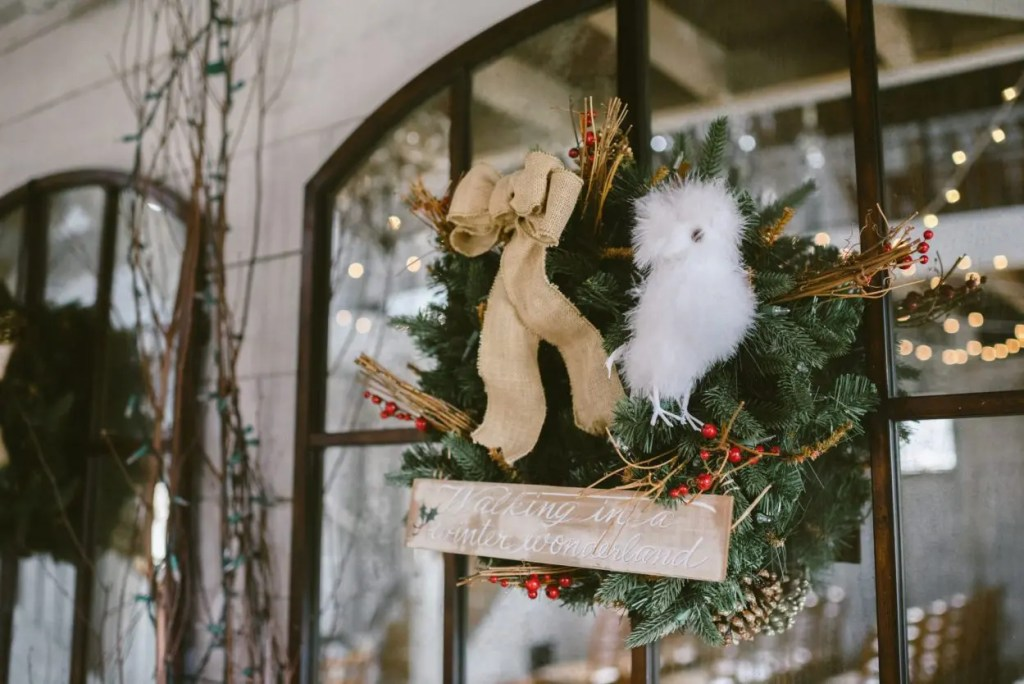 winter wedding decorating