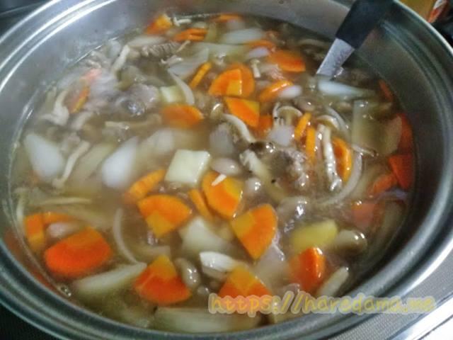 カレーの鍋 コンソメ