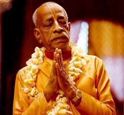 Srila Prabhupada praying