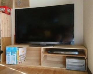 りんご箱でTV台
