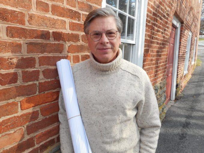 Author Charles Belfoure