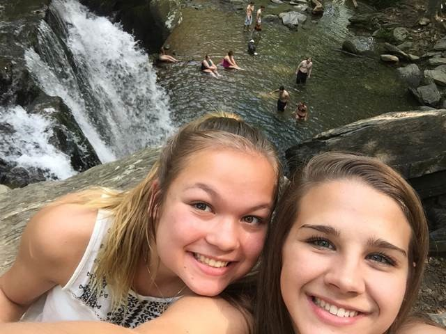 Selfie Harford Streams