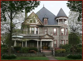 Visiting a Mansion and Learning About Supernatural Art History?