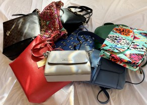 """Purses for A Purpose"" Online Auction Offers Great Deals for A Great Cause Just in Time for Holiday Shopping"