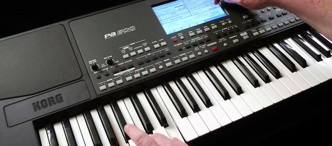 Keyboard arranger Korg PA-600 (youtube: Korg)