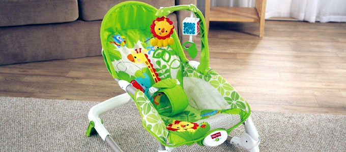 Fisher Price Newborn to Toddler Portable Rocker (sumber: bargainmax.co.uk)