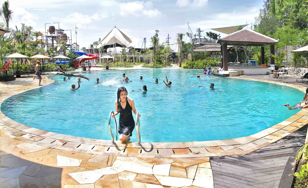 wahana di jogja bay waterpark