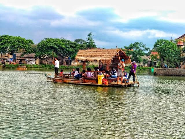 Wacana Perahu Ponton objek Wisata Sangatta