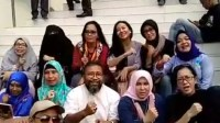 Lagu Dari Emak-Emak Buat Pak Polisi Yang Bertugas Mengayomi (Video)