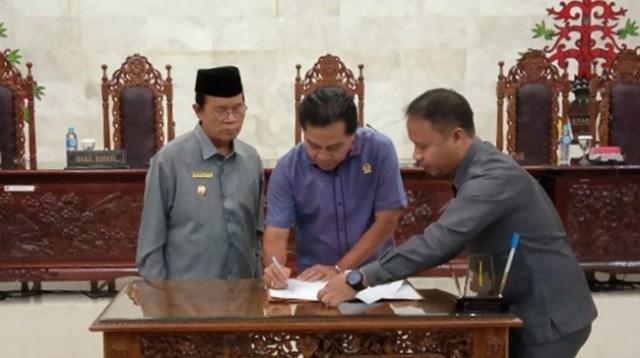 Pemda dan DPRD Kapuas Tandatangani Nota Kesepakatan KUA PPAS APBD-P 2019