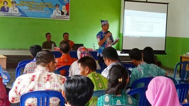 Dinsos Kapuas Gelar Sosialisasi BDT di Basarang