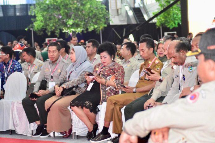 Wagub NTB, Dr. Hj. Sitti Rohmi Djalillah didampingi Kalak BPBD NTB H.M Rum mengikuti Rakor penanggulangan bencana di Surabaya