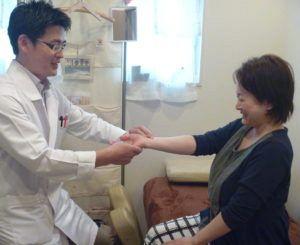 産後ケアの鍼灸にも脈診を用いる