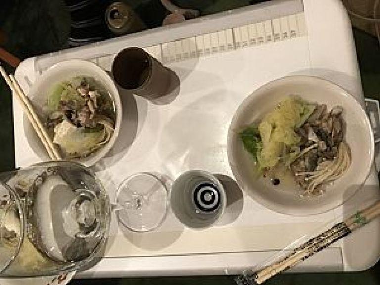 スッポン鍋と日本酒