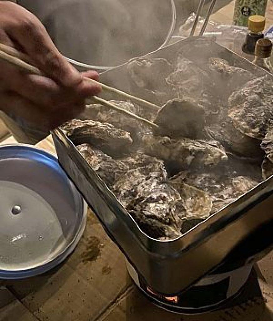 鍼道五経会で牡蠣のカンカン焼き