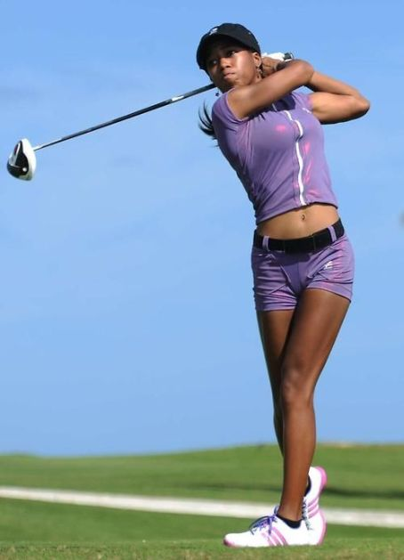 female golfer youth