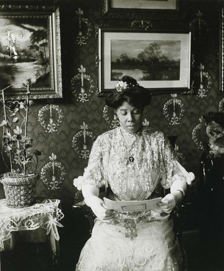 Miss Suzie Porter Harlem photo by James Van Der Zee 1915 1