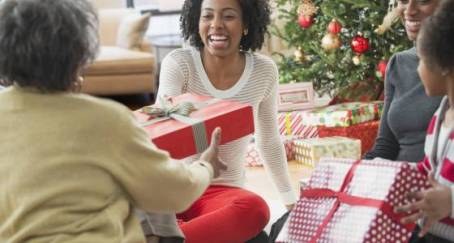 the-10-rules-of-holiday-gift-giving-etiquette