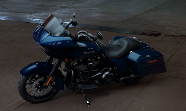 Motocykel Harley-Davidson touring Road Glide Special 114 farba Billiard Blue