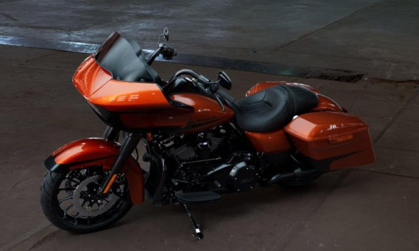 Motocykel Harley-Davidson touring Road Glide Special 114 farba Scorched Orange/ Black Denim