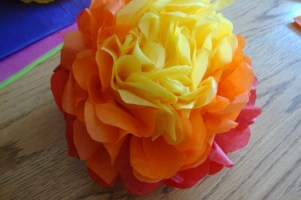 D.I.Y. Paper Flowers @ Harlingen Public Library - Reference Study Room #9