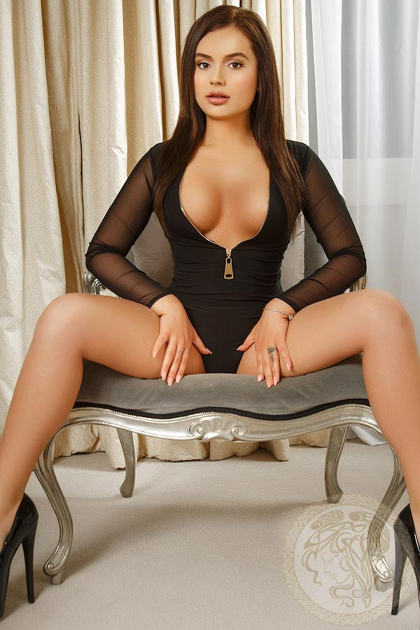 london-escort-issabela-5