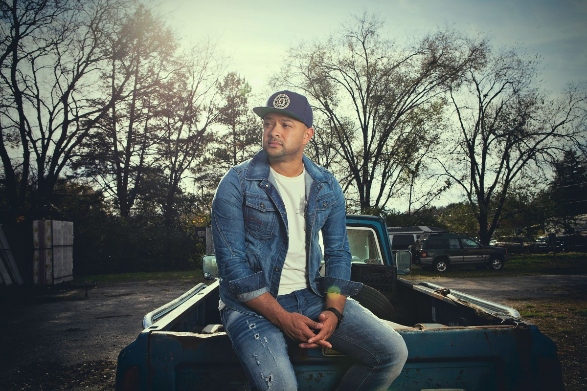 "Canadian Country Star Tebey Set To Release New EP ""Love A Girl"""