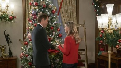 Christmas At Thepalace 2021 Preview Christmas At The Palace A Hallmark Channel Countdown To Christmas Original Movie