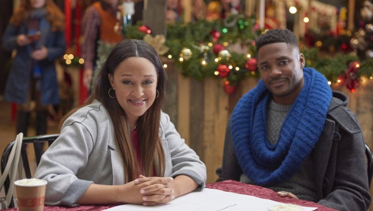"Preview: ""A Gingerbread Romance' A Hallmark Channel 'Countdown To Christmas' Original Movie (2018)"