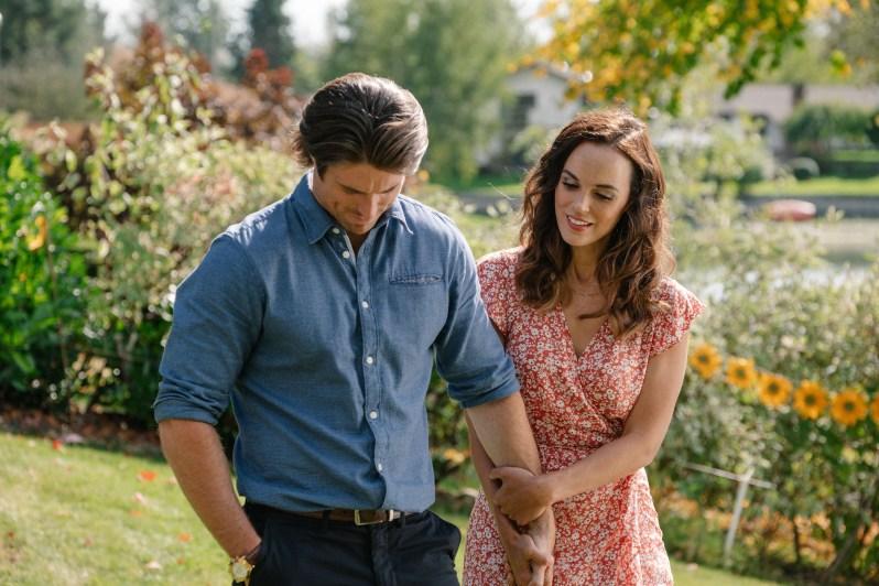 "Preview: ""Love Stories In Sunflower Valley"" A Hallmark Channel ""Spring  Fling"" On W Network Premiere Movie"