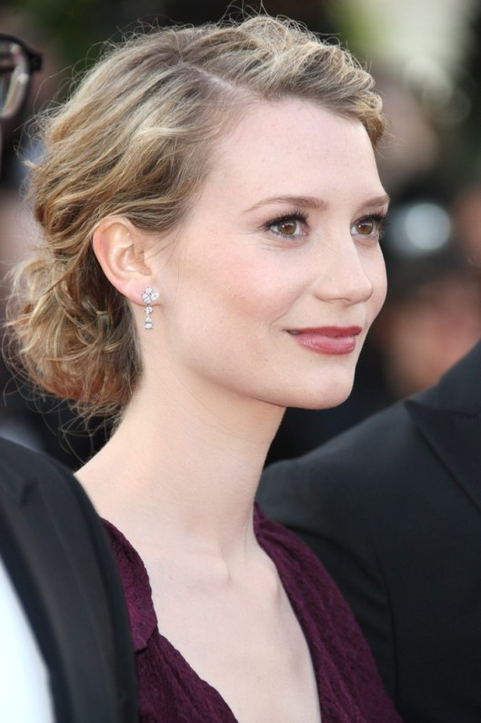 mia-wasikowska-65th-cannes-film-festival-01