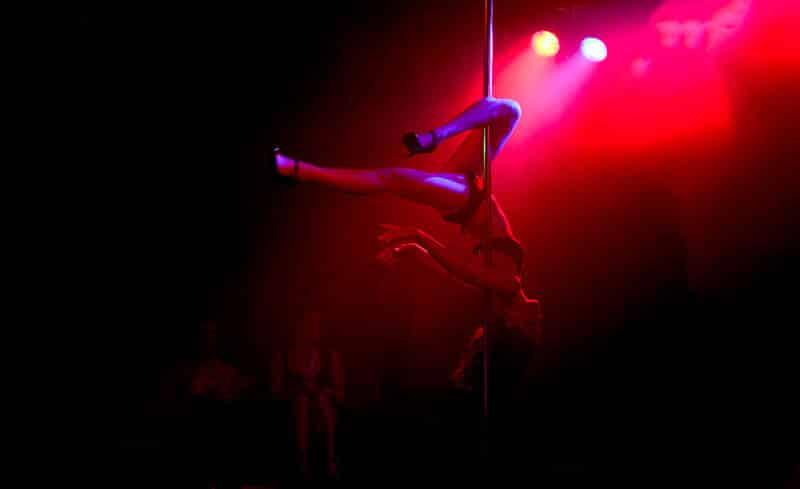 exhibition pole dance