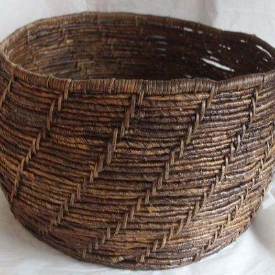 Banana rattan VOC basket in fandik brown