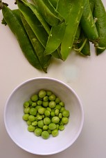 Leeks, Peas & Mache Soup (DSC_1235)