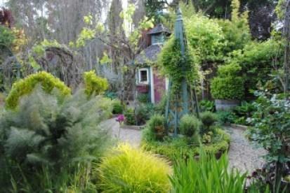 Freeland Tanner-Garden Designer-Napa-Garden Decor-Bespoke Garden Decor-garden shed-potager-tuteur