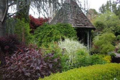 Freeland Tanner-Garden Designer-Napa-Garden Decor-Bespoke Garden Decor-garden nook